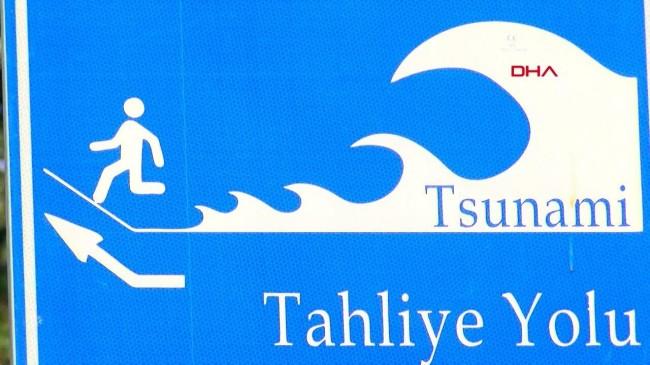 İstanbul'da 'tsunamiden kaçış yolu' tabelaları
