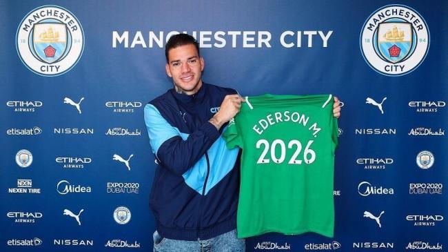 Manchester City, Brezilyalı kalecisi Ederson ile sözleşme yeniledi