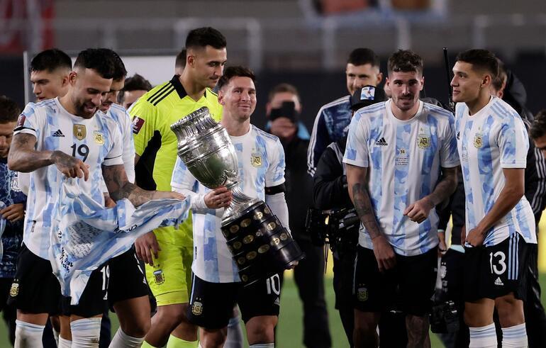 Son dakika: Lionel Messinin gözyaşları Pelenin rekorunu kırıp tarihe geçtikten sonra...